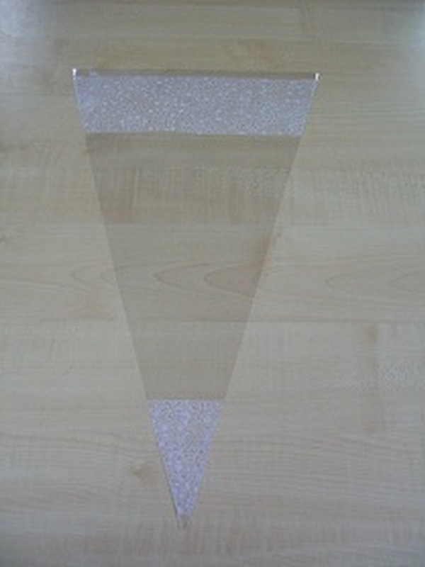 Puntzak helder wit kantmotief 30 x 50 cm