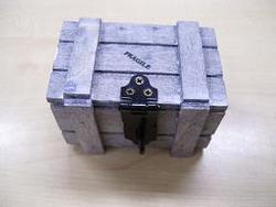Fragile Houten Koffertje Grijs 5,5 x 5,5 x 8 cm