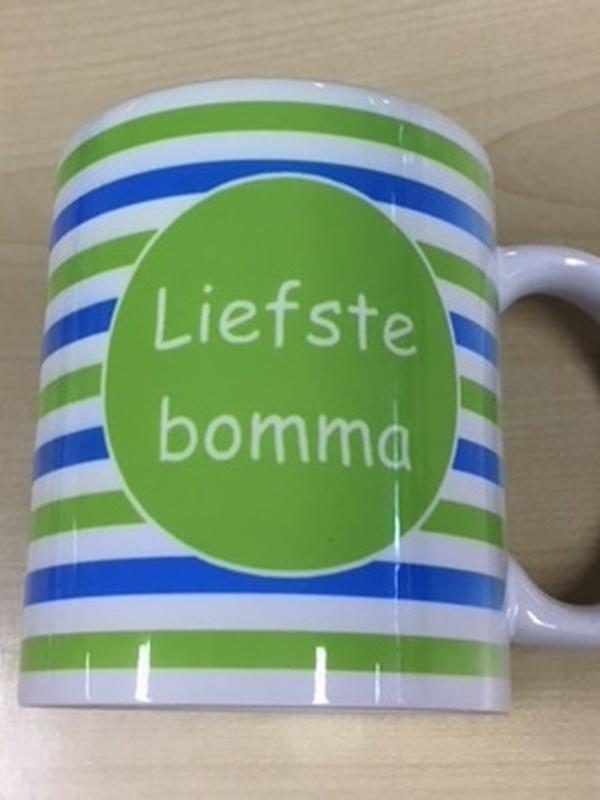 Mok Liefste Bomma groen - blauwe streep