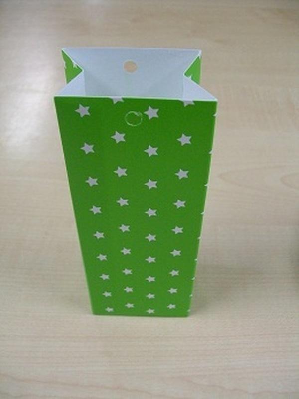 Karton Hoog Zakje Groen met Witte Sterren