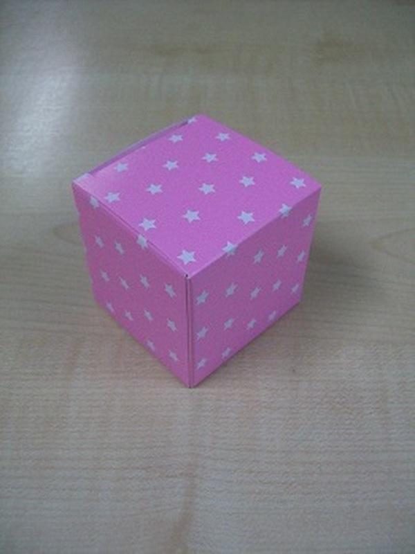 Karton Kubus Licht Roze met Witte Sterren