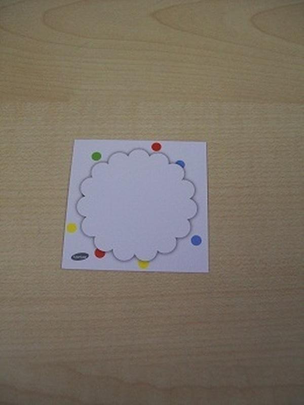 Naamkaartje Cupcakes Wit met Gekleurde Stippen