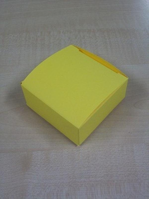 Karton Laag Vierkant Doosje Geel